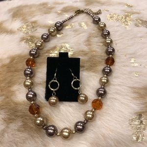 Premier Designs Nutmeg Necklace and earring set.
